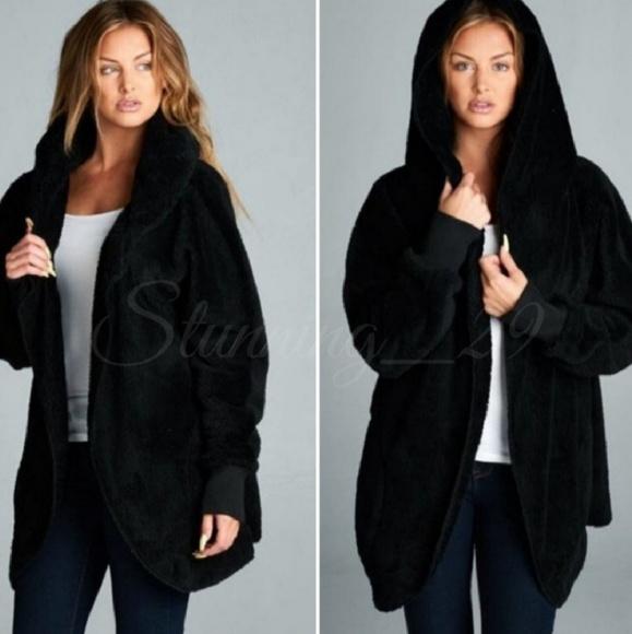 Stunning_29 Jackets & Blazers - 🆕️BLACK PLUSH TEDDY L/S HOODED JACKET